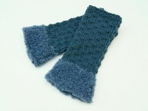 Armstulpen Pulswärmer blau jeansblau ohne Wolle  handgestrickt mit Kuschelrand - Handarbeit kaufen