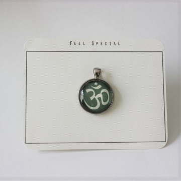 Für alle Yoga begeisterten...aus meiner Namaste Kollektion das OM- Zeichen als Cabochon Anhänger, Sea Green