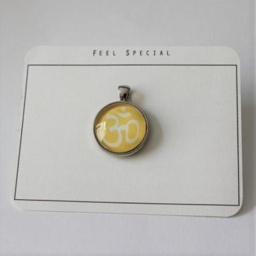 Für alle Yoga begeisterten...aus meiner Namaste Kollektion das OM- Zeichen als Cabochon Anhänger, Gelb