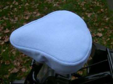 Fahrradsattelwärmer ♥ Fahrradsattelbezug ♥ hellblau ♥ Fleecestoff ♥ Handmade