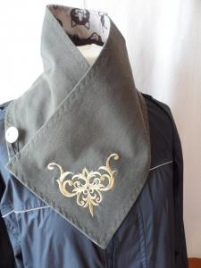 Kurzschal ♥ Wickelschal ♥ bestickt ♥ Handmade - Handarbeit kaufen