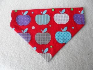 Hundehalstuch ♥ Wendehalstuch ♥ Größe M ♥ rot ♥ Äpfel ♥ Handmade  - Handarbeit kaufen