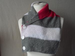 Schalkragen,Schal mit Knöpfen,Wollschal, gestrickt,grau weiß pink - Handarbeit kaufen
