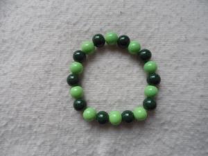 Perlenarmband, Acrylperlen, verschiedene Grüntöne - Handarbeit kaufen