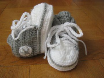 Babyschuhe, gehäkelt, grau, 9 cm (0-3 Monate)