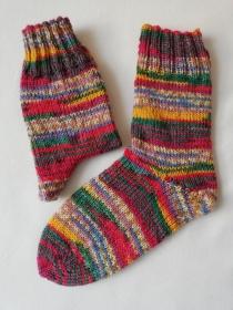 Socken, handgestrickt, bunt, verschiedene Größen möglich, aus 6-fädiger Sockenwolle