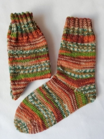 handgestrickte Kindersocken, Lazise - Farbe 7, verschiedene Größen möglich (Gr. 30/31 - 34/35), aus 6-fädiger Sockenwolle - Handarbeit kaufen