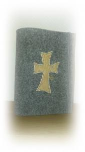 Gotteslobhülle aus Wollfilz mit *Korkkreuz*