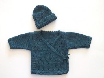 Handgestrickte Wickeljacke mit Mütze aus weicher Wolle (Merino) für Neugeborene als ideales Geschenk zur Geburt Größe 50 - 56 (0 - 2 Monate)