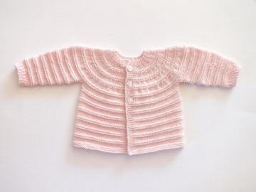 Feines Babyjäckchen für kleine Mädchen in apricot - als Geschenk vormerken - Größe 56-62 - Handarbeit kaufen