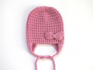 Entzückende Babymütze mit Ohrenklappen für kühle Tage - handgestrickt aus weicher Wolle (Merino) - KU 40-43 cm - Handarbeit kaufen