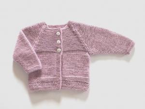 Handgestrickte flauschige Babyjacke in rosé  - ein tolles Geschenk für jede Prinzessin - Größe 68 - 74 (6 - 9 Monate) - Handarbeit kaufen
