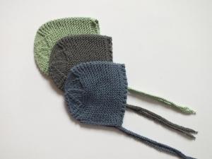 Set mit 3 handgestrickten Baumwollmützen für Frühchen oder Neugeborene