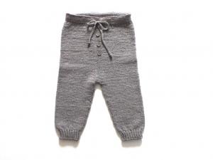 Handgestrickte coole Hose zum Spielen und Toben aus weicher Wolle (Merino) - eine tolle Geschenkidee - Größe 74 - 80  (9 - 12 Monate) - Handarbeit kaufen
