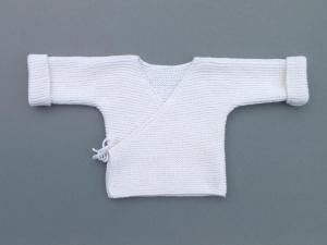 Cremeweiße Wickeljacke aus weicher Merinowolle für Neugeborene  - ein tolles Geschenk zur Geburt  oder Taufe