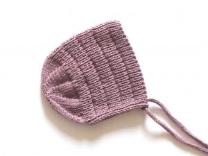 Warme Wintermütze in einer tollen Farbe, handgestrickt aus weicher Wolle - ein Hingucker