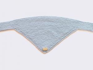 Handgestrickter dreieckiger Babyschal aus weicher Wolle (Merino) in hellblau - ein tolles Geschenk