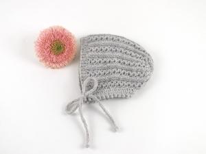 Handgestrickte Mütze für Babys mit einem tollen Muster in hellgrau - eine tolle Geschenkidee - KU 40 - 43 cm  (0 - 3 Monate) - Handarbeit kaufen