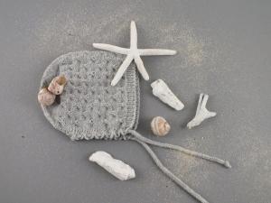 Handgestrickte Mütze aus weicher Wolle (Merino) in hellgrau (KU 40 - 43 cm  / 0 - 3 Monate)  -  ein schönes Geschenk    - Handarbeit kaufen