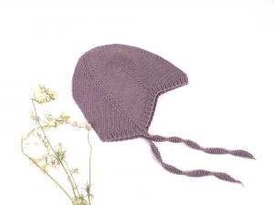 Teufelsmützchen mit Bindebänder für süße Mädchen - handgestrickt aus Baumwolle in amethyst - KU 45-50 cm (9 - 12 Monate)     - Handarbeit kaufen