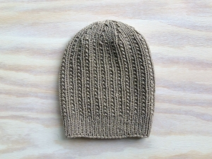 Handgestrickte Mütze in beige mit einem tollen Muster aus weichem Cotton-Merino Garn -  KU 45 - 47 cm  - Höhe 20 cm - Handarbeit kaufen