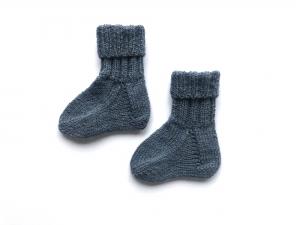 Handgestrickte niedliche Babysocken aus weicher Wolle - ein tolles Mitbringsel - Fußlänge ca. 10 - 11 cm   (0 - 3 Monate)     - Handarbeit kaufen