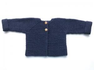 Handgestrickte Babyjacke in dunkelblau aus weicher Wolle (Merino) - hält wunderbar warm an kühlen Tagen - Größe 56 - 62  (0 - 3 Monate)