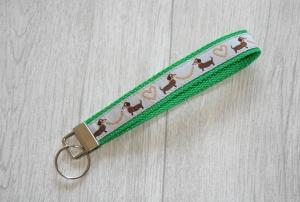 Schlüsselanhänger, Schlüsselband Hunde aus Gurtband in Grün, Länge 15 cm - Handarbeit kaufen