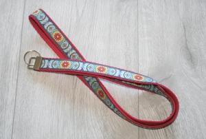 Schlüsselband Ornament mit Gurtband aus Baumwolle in Rot, lang - Handarbeit kaufen