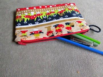 Stiftetasche, Utensilio,Schlampermäppchen,beschichtete Baumwolle,Zwergenparade,Reißverschluss,