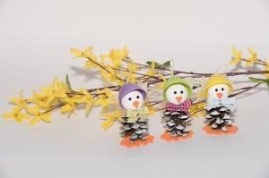 Osterdeko Selbstgebastelte Zapfenküken in fröhlichen Farben, 3 er Set