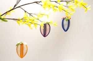 Osterdekoration Selbstgestaltete Ostereier in fröhlichen Farben, 3er Set