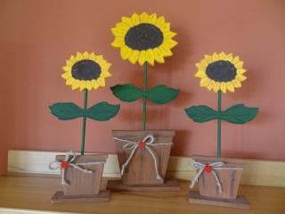 Handgemalte Sonnenblumen aus Holz, kleine Version