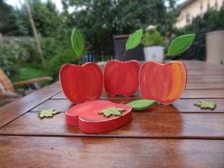 Naturgetreuer handbemalter Holz Apfel