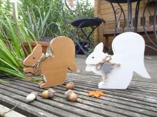 Eichhörnchen Lilly und Lukas aus massivem Holz