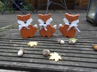Niedlicher kleiner Fuchs Xanti, aus Holz