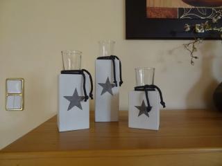 Schlichter Kerzenständer mit Windlicht, mittlere Version