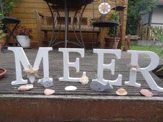 Schriftzug MEER aus einzelnen Holz Buchstaben,, freistehend