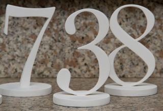 Tischnummern für Hochzeiten aus Holz freistehend