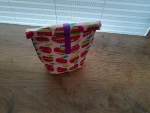 Rolltasche - Lunchbag - Kulturtasche außen Äpfel auf pink, innen abwaschbar - Handarbeit kaufen