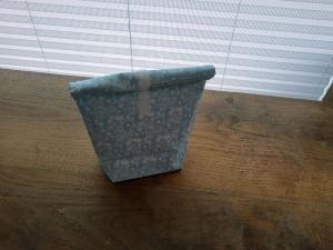 Rolltasche - Lunchbag - Kulturtasche außen Roller auf hellblau, innen abwaschbar  - Handarbeit kaufen