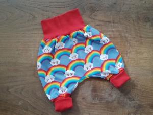 Babypumphose für Neugeborene aus Jersey- Regenbogen mit Wolken  - Handarbeit kaufen