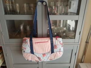 Schnabelina Bag small aus hellblauem Steppstoff