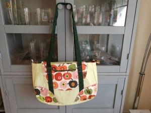 Schnabelina Bag small bunte Äpfel auf grün - Handarbeit kaufen