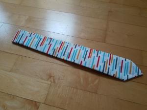 Krawatte mit Muster weißgrundig- außergewöhnliches Geschenk   - Handarbeit kaufen