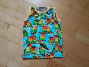 Kinder T-shirt ärmellos Papageien Größe 104/110 - Handarbeit kaufen