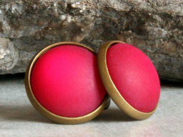 Polaris-Ohrstecker in Pink mit besonderem Schimmer in bronzefarbener Fassung