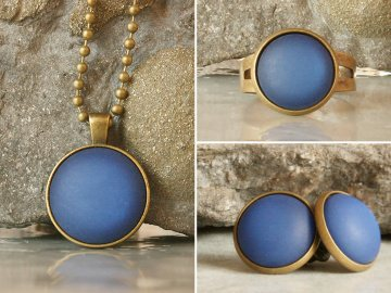 Schmuckset mit blauen Polaris-Steinen bestehend aus Kette, Ohrringen und Ring
