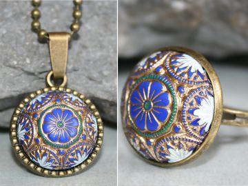 Schmuckset: Ring + Kette - Blumig bemalt in Blau, Gold, Weiß und Grün - Romantischer Vintage-Look