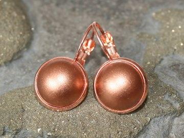 Ohrringe mit metallischem Schmuckstein in Rosé